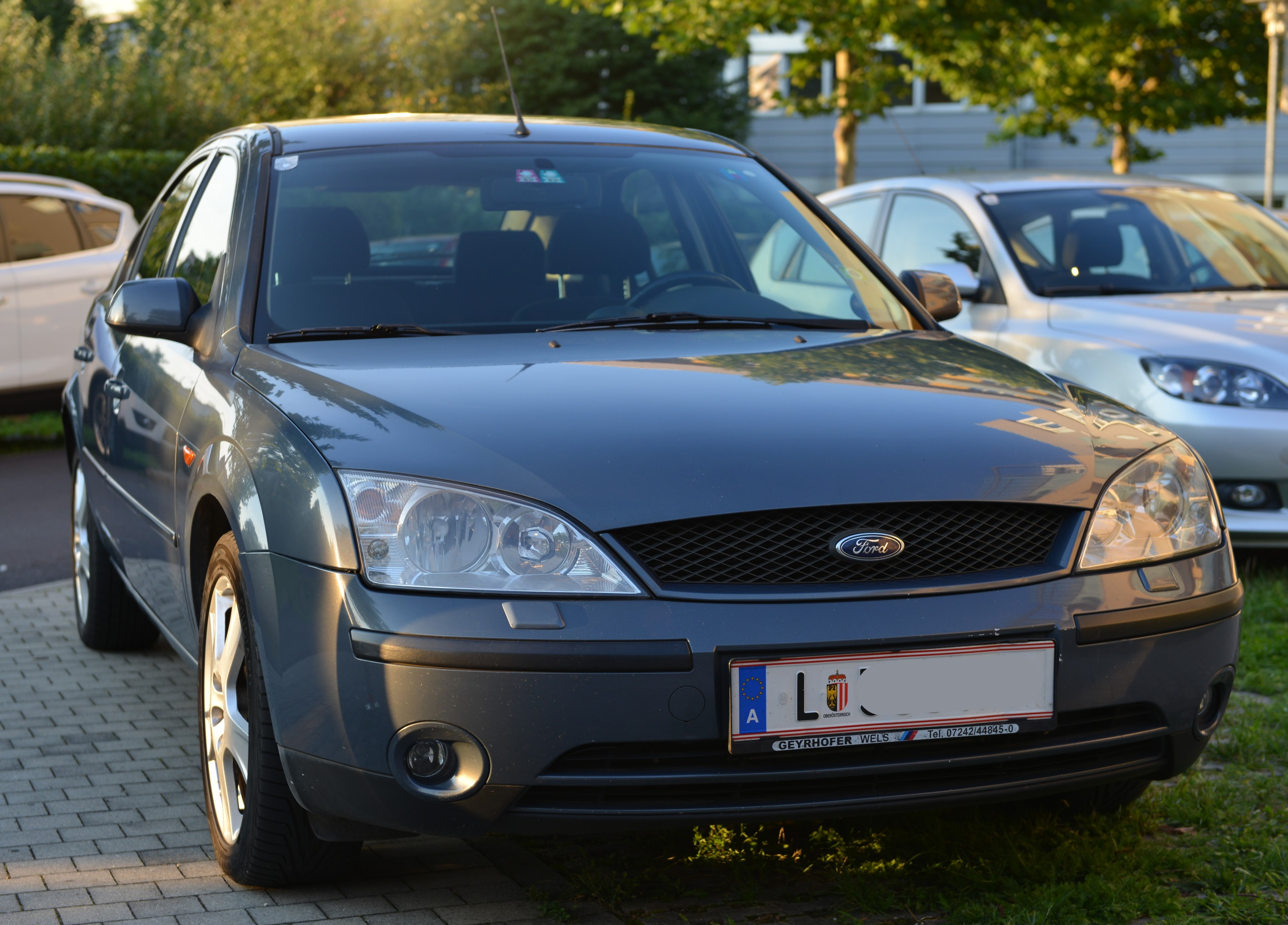 Ford Mondeo - € 1990