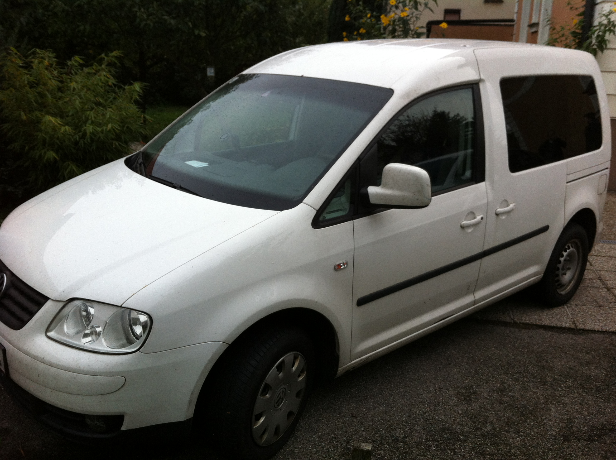 VW Caddy - € 4900